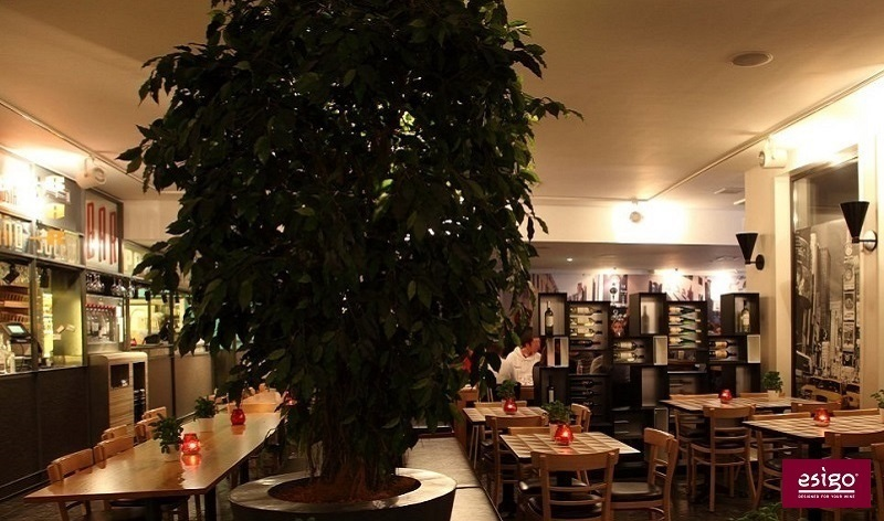 Gallery arredamento esigo per for Arredamento in legno per ristorante